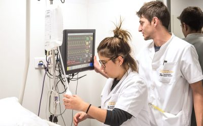 Clinical training in simulation environment for students